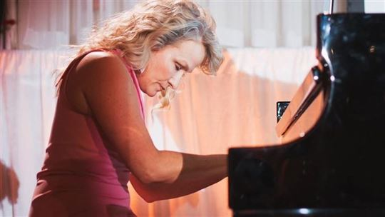 La pianista Molly Morkoski